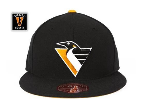 watch dd7ca 387a6 Pittsburgh Penguins NHL Vintage Alt Logo 2 Fitted Cap by MITCHELL   NESS x  NHL