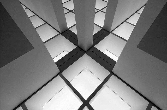 Composición lineal simétrica  Mind the gap