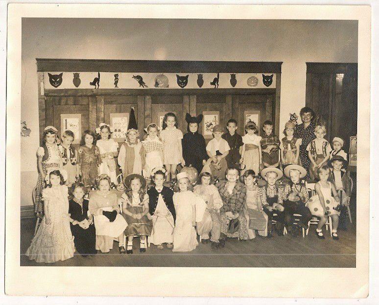 WONDERFUL NOSTALGIC HALLOWEEN COSTUME PARTY REAL PHOTO CA. 1950 CHILDRENu0027S CLASS & WONDERFUL NOSTALGIC HALLOWEEN COSTUME PARTY REAL PHOTO CA. 1950 ...