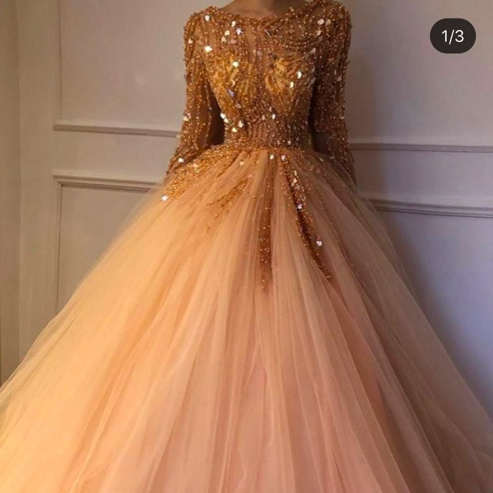 Crystal Ball Gown Prom Dresses 2020 Champagne Tulle Long Sleeve Beaded Elegant Prom Gowns 2021 Sparkly Prom Dresses Ball Gowns Evening Dress Floor Length [ 1000 x 1000 Pixel ]