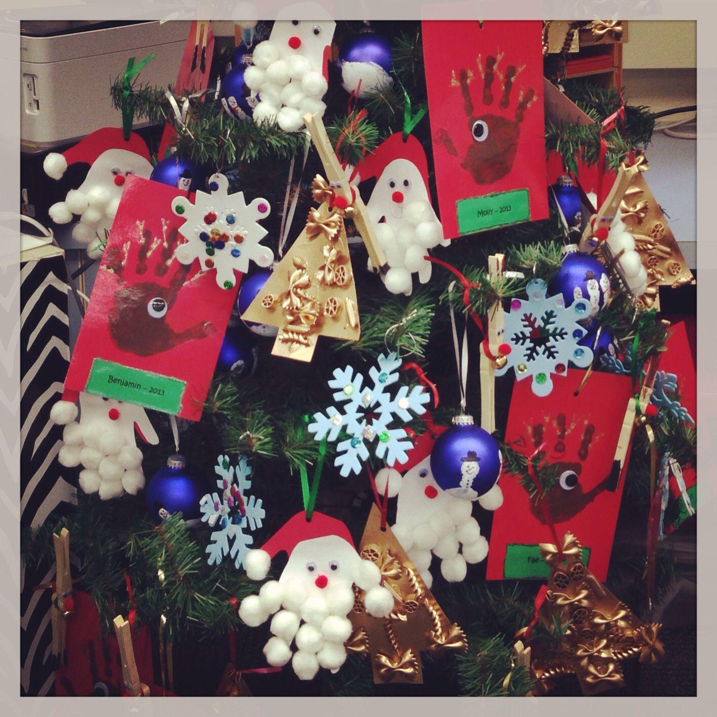 Classroom window decoration  Our classroom Christmas tree Judiceus Jungle  Education Ideas