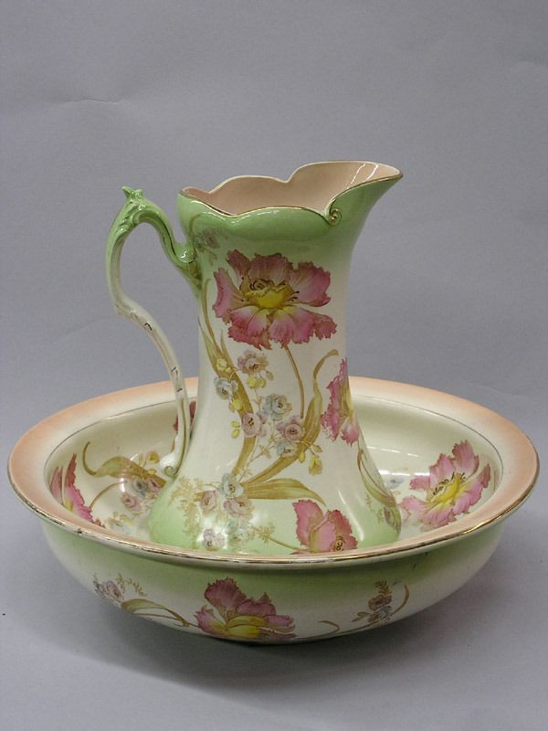 2197: Late Victorian Lavabo Set | Pitcher with Wash Basins & Foot