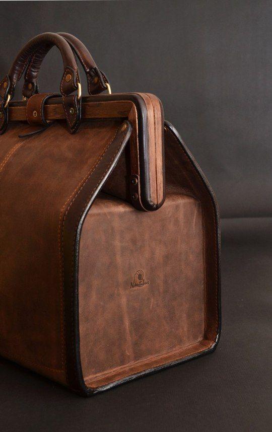 0f641255b6ad Саквояж из кожи и дерева   Just bags   Leather, Leather projects и ...