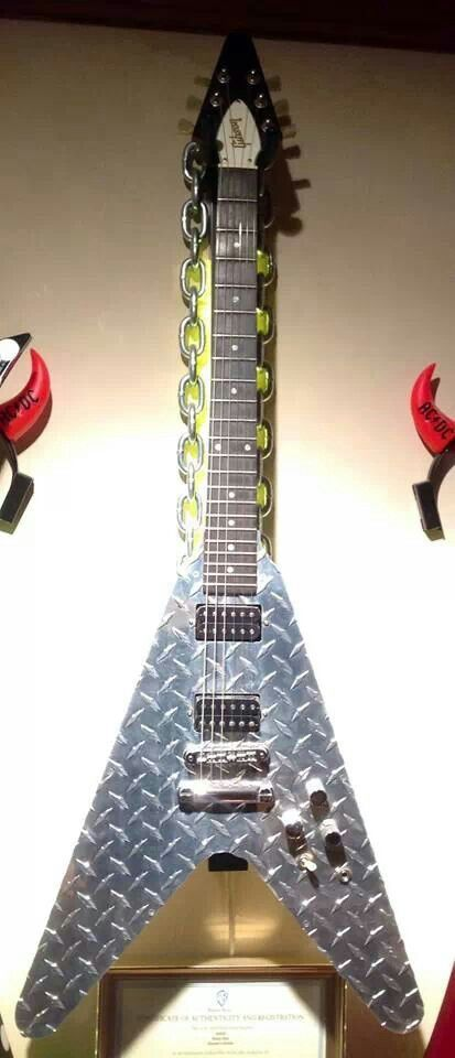 Gibson Flying V used in the movie Rock Star