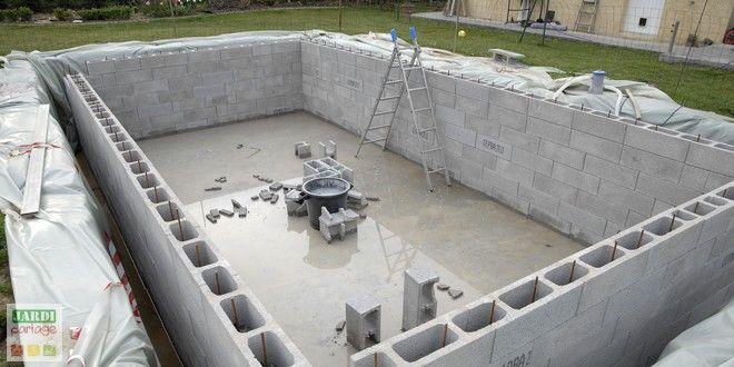 Le montage des murs de la piscine Piscine Piscine, Piscine - Comment Faire Une Piscine En Beton
