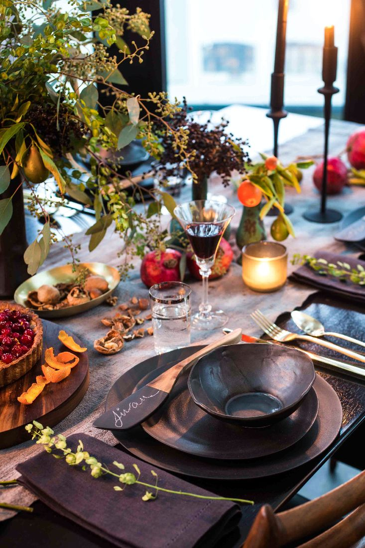 Holiday Tabletop : http://eye-swoon.com/a-clever-holiday-diy/ photo by chloe crespi