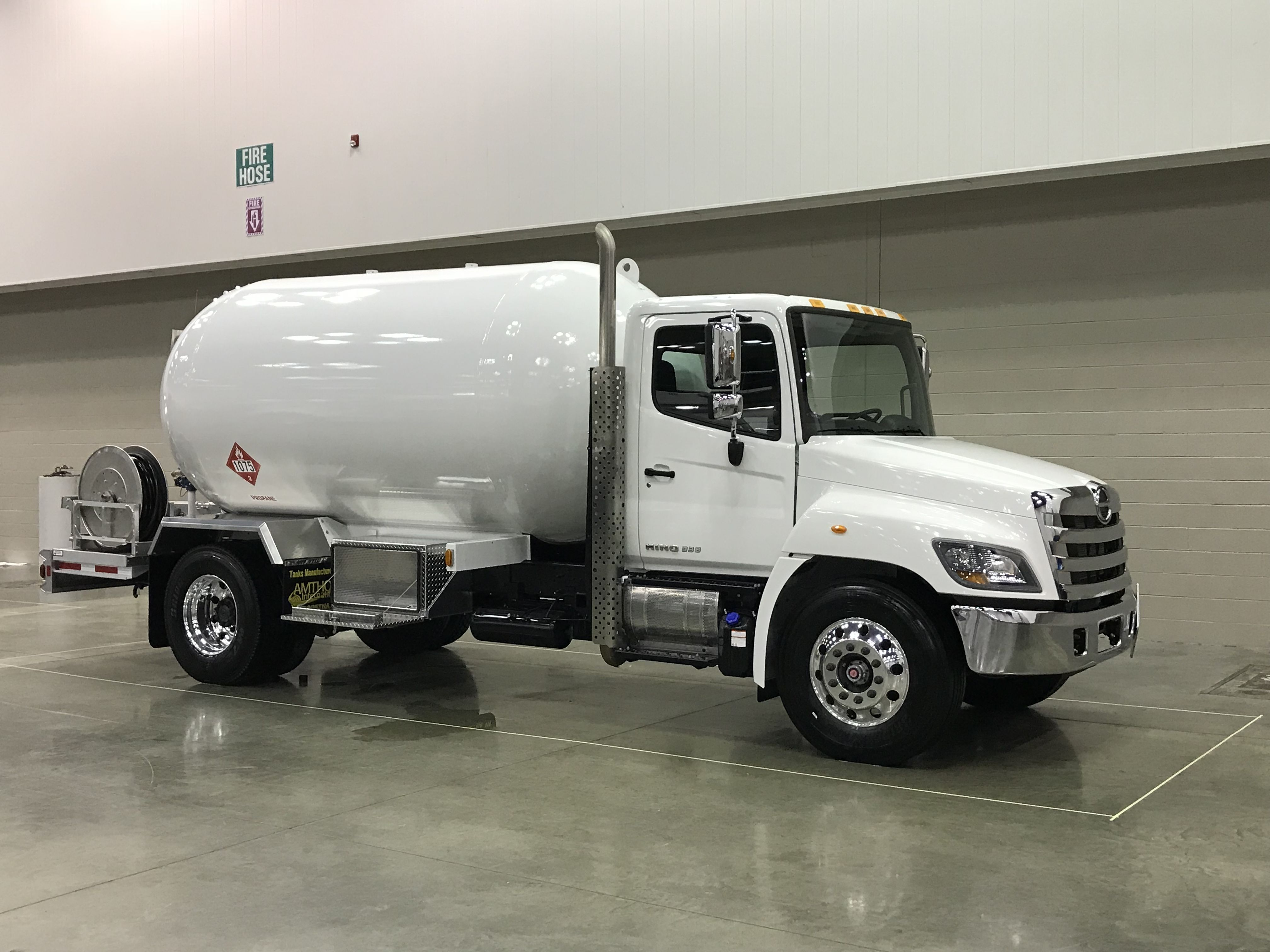 2018 Hino 338 With A 3499 Wg Propane Bobtail 18p003 Trucks Buy