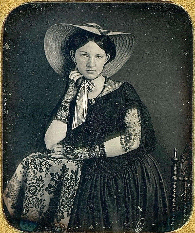 picture Lillian Logan
