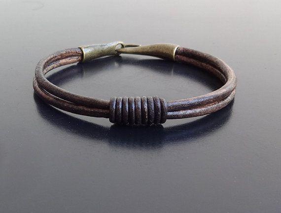 52309a5bddb5 Gancho de bronce para hombre pulsera de cuero hebilla