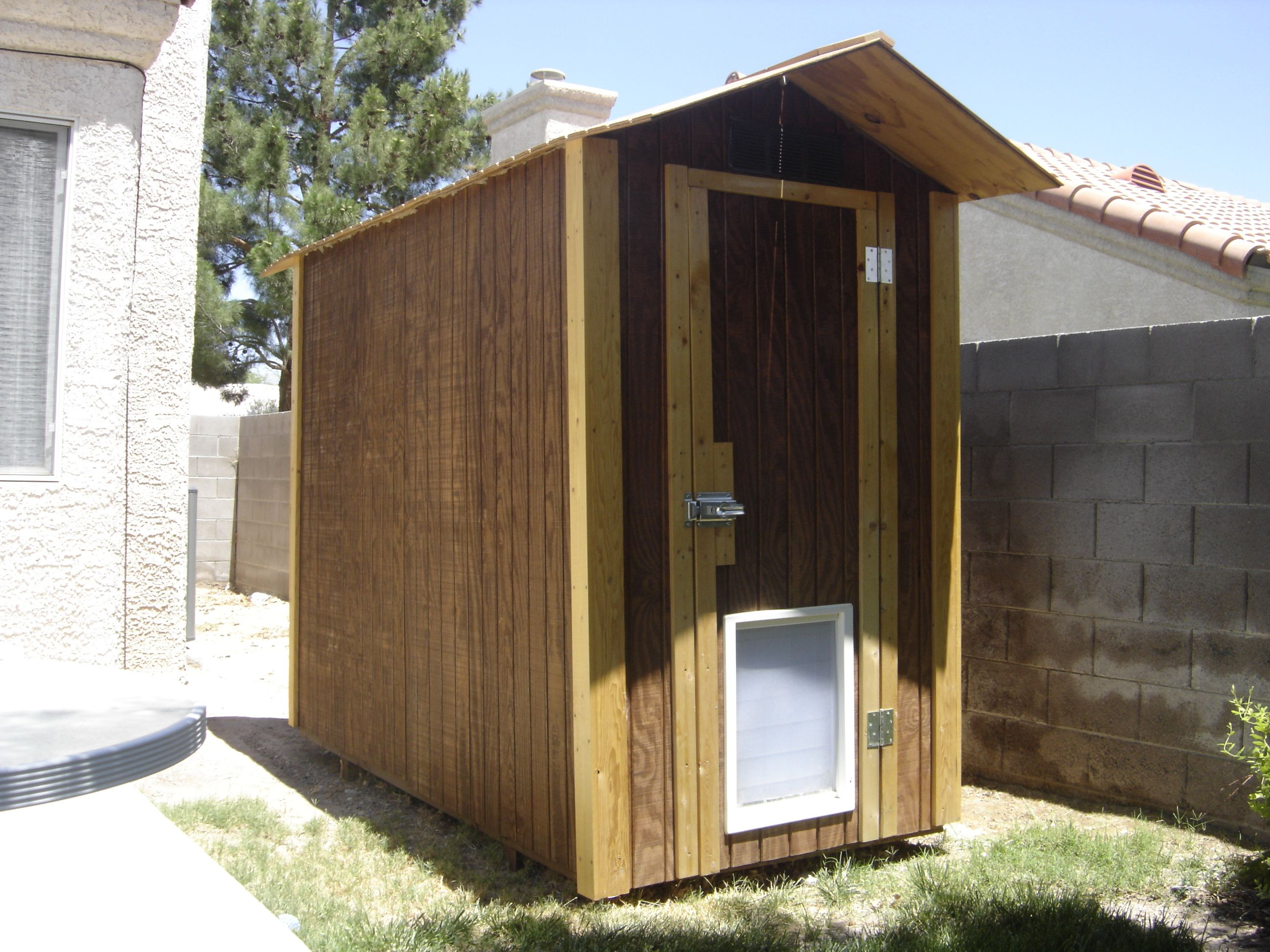 Building a Shed Style Doghouse with Air Conditioning Dog
