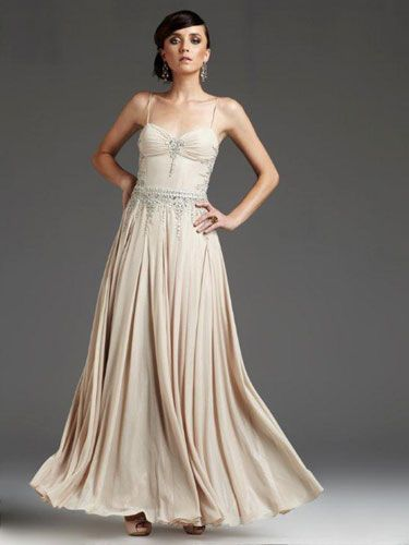 16 Prettiest Vintage-Inspired Prom Dresses | Vintage prom, Prom ...