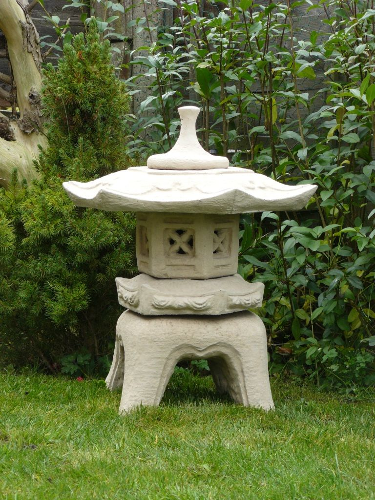 japanese pagodas garden statuary pagoda pinterest pagoda garden japanese pagoda and gardens. Black Bedroom Furniture Sets. Home Design Ideas