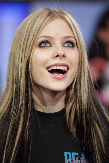 fucking-self-avril-lavigne-face-fuck-short