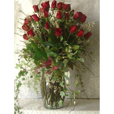 2 Dozen Roses In Glass Vase Valentine S Day Arrangement