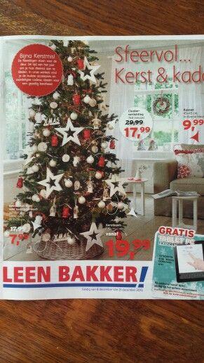 Leen Bakker: de brochure speelt in de huidige trend van Kerstmis. De vormgeving is uitnodigend hierdoor en showt een aantal items.