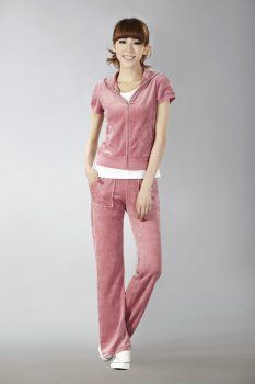 http://www.bagsandtracksuits.com/juicy-couture-orignal-velour-short-tracksuit-with-pocket-long-pants-indpink-p-1105.html        Juicy Couture Orignal Velour Short Tracksuit With Pocket Long Pants Indpink