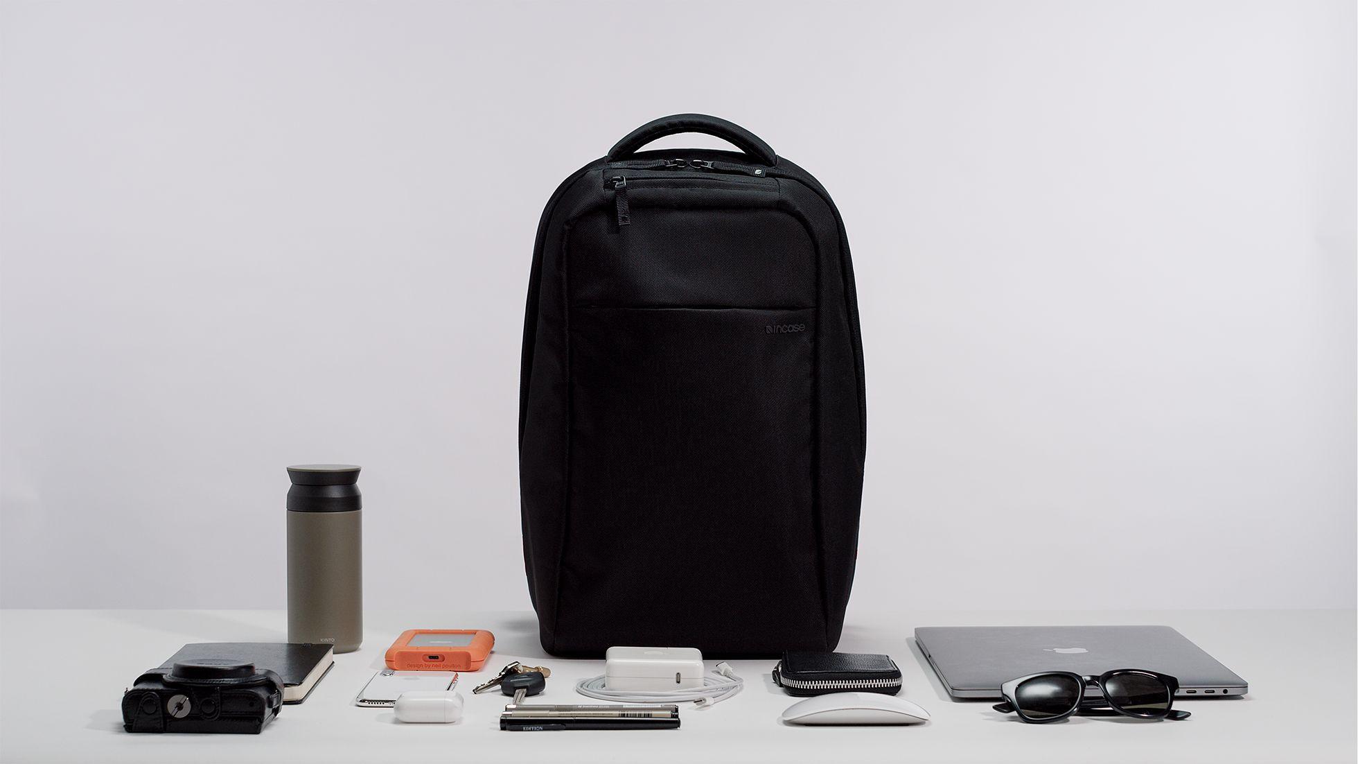 Incase ICON Lite Backpack II Apple