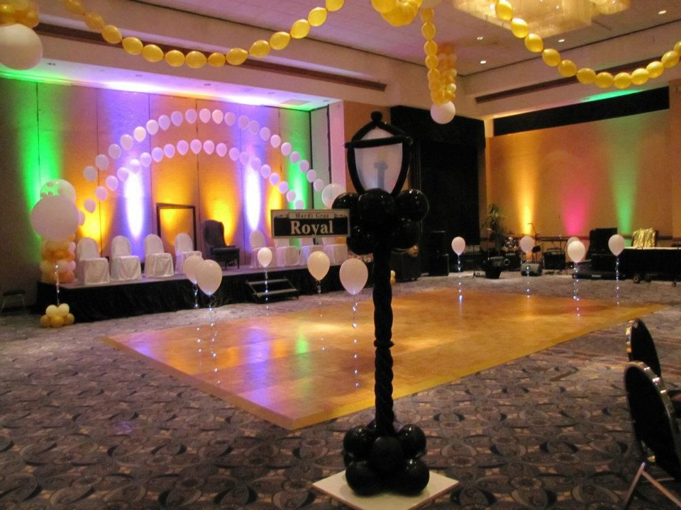 Ceiling and dance floor decor for a formal mardi gras for Balloon dance floor decoration