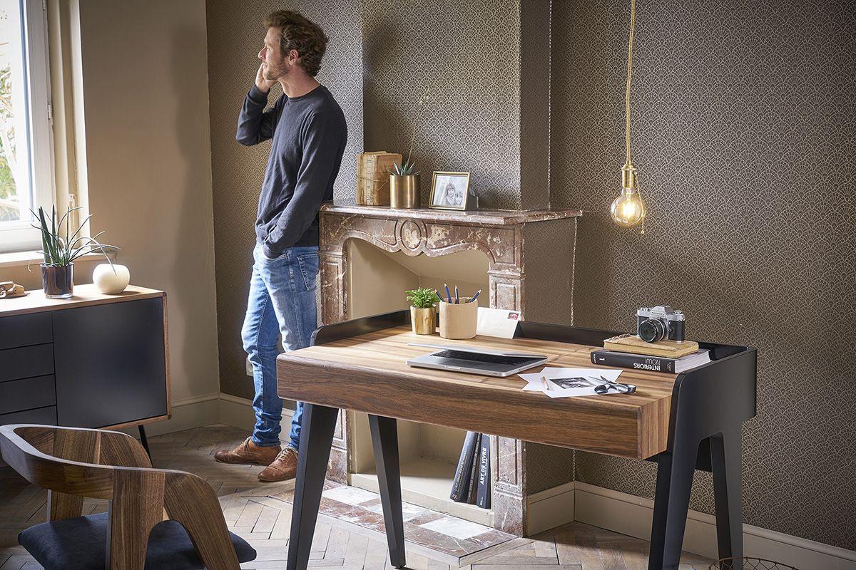 Chaise et bureau design en bois et noir pieds laqués noir pour le