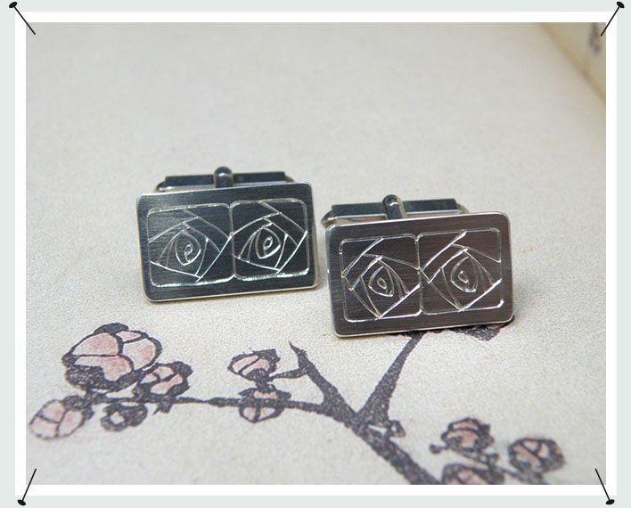 manchetknopen * zilveren knopen met rozen handgravure * verkocht