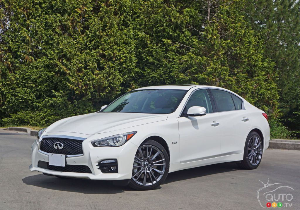 2016 infiniti q50 red sport 400 awd road test car reviews auto123 car reviews pinterest. Black Bedroom Furniture Sets. Home Design Ideas