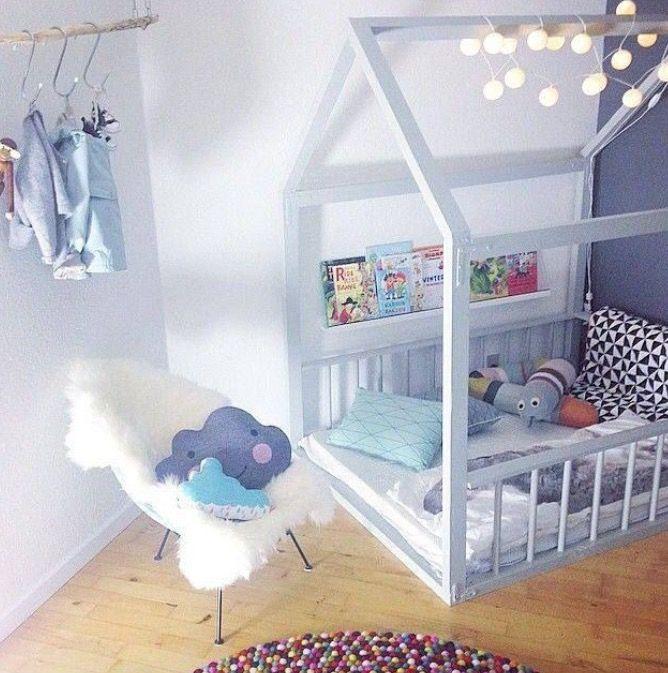 Montessori style bed diese art nur ohne die hintere for Fenster kinderzimmer