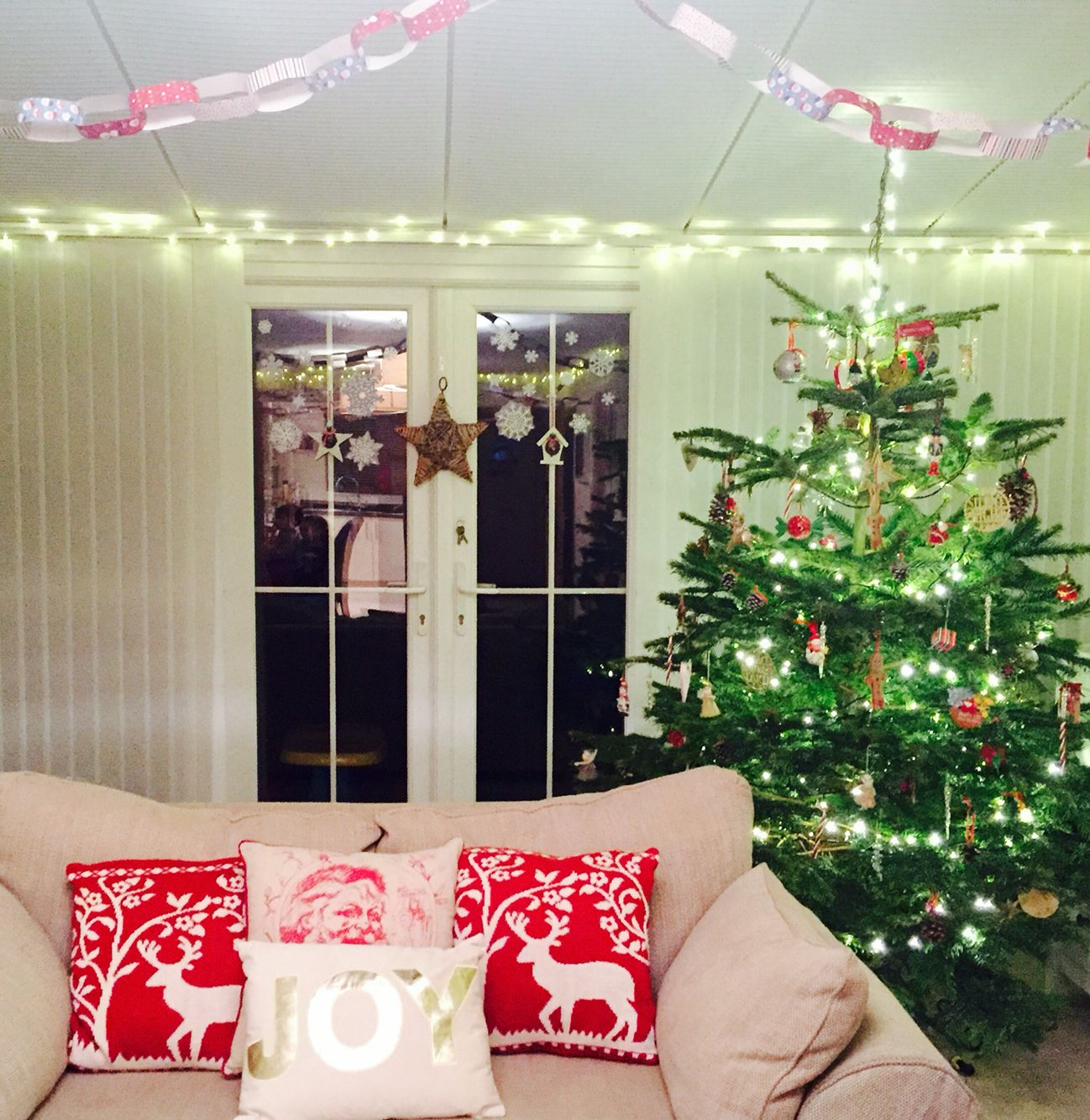 It's beginning to look a lot like Christmas in our house now. Christmas tree style? Lived in with kids - red & gold. Starting to love my lil collection of Christmas cushions
