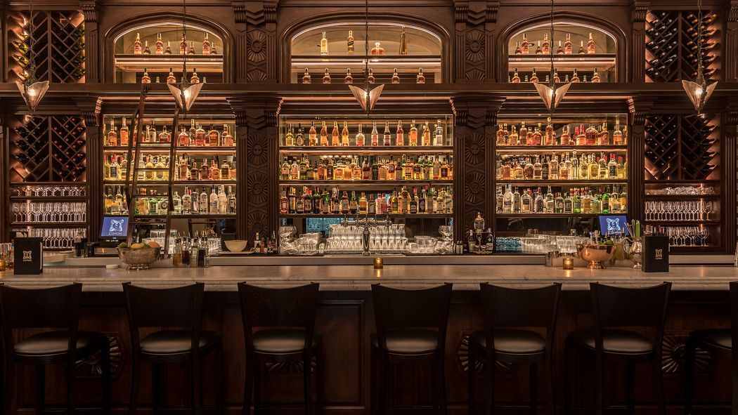 The 13 Hottest Cocktail Spots In Los Angeles Hot Cocktails Bar Design Restaurant Hotel Bar