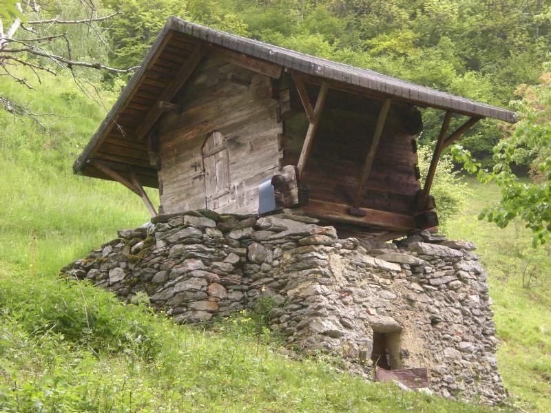 Le Bon Coin 63 Mobilier 3 Petites Annonces Eostis Cabins And Cottages Amazing Buildings Tiny House Cabin