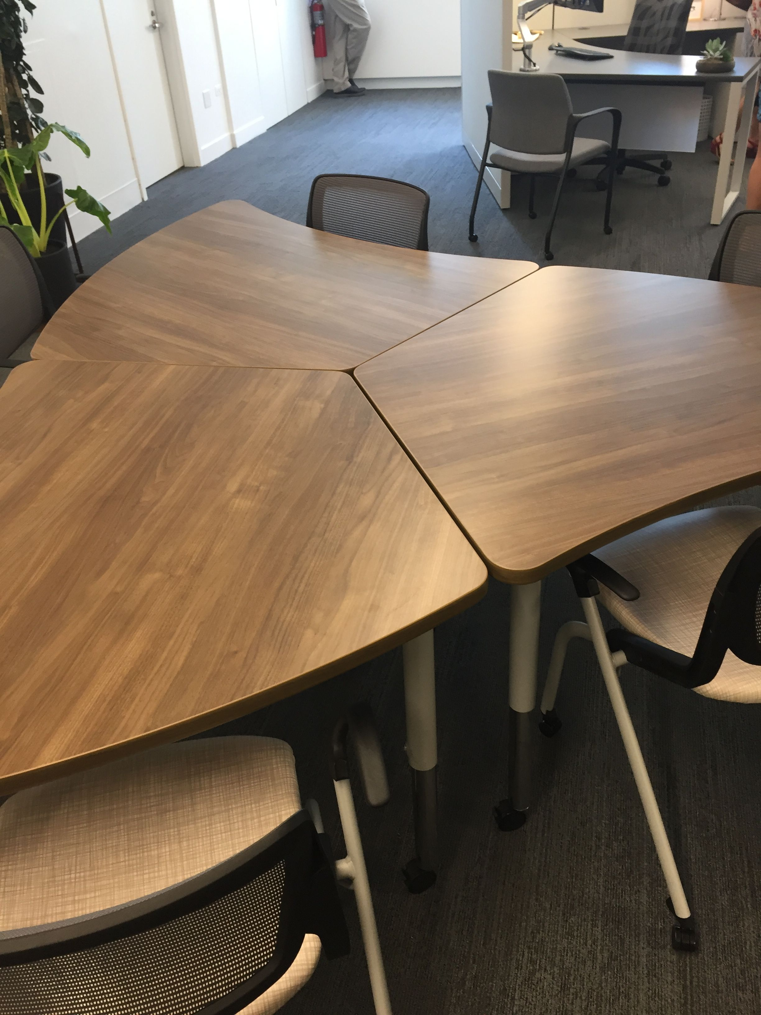 hon neocon 2017 tables neocon 2017 home decor table furniture rh pinterest com