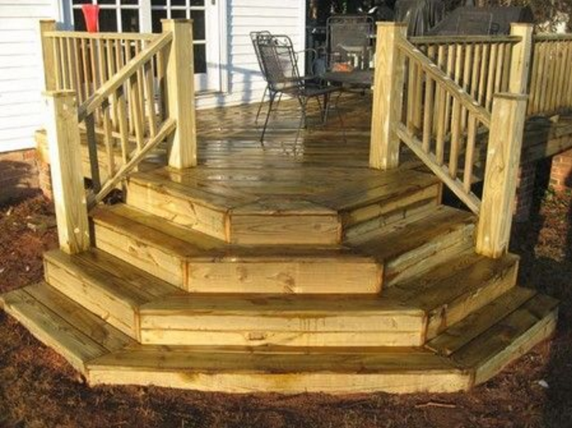 Best Wide Steps At Bottom With Angled Railing Landscaping 400 x 300