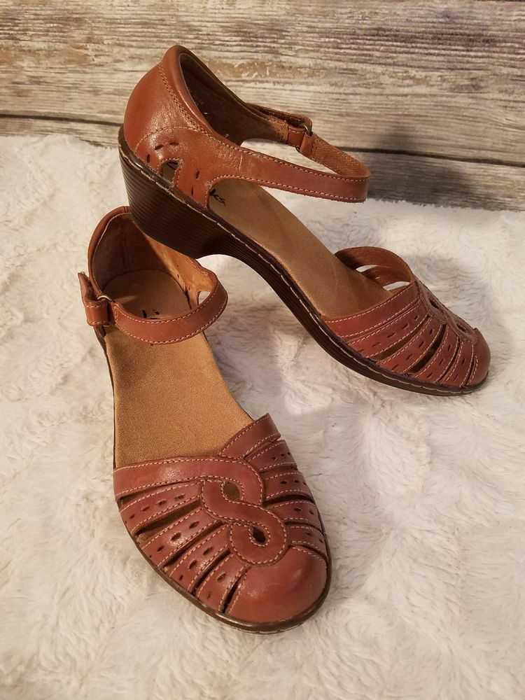 Clarks Womens Closed Toe Ankle Velcro Strap Brown Leather Sandals - Size 6.5  M