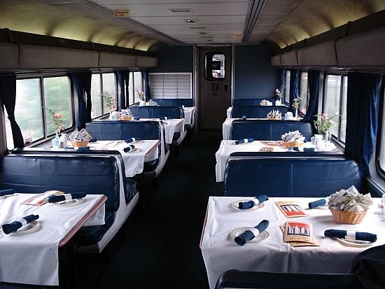 Dining Car Of The California Zephyr We Had Some Great Meals In 2012 On The Empire Builder In A Car Like This California Zephyr Vintage Train Train Travel