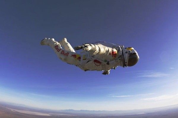 Cue The Tom Petty This Guy Is Free Fallin With Images Felix Baumgartner Space Suit Felix