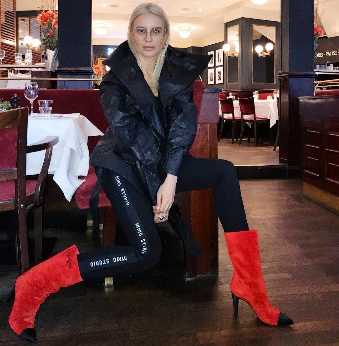 Joanna Horodynska Celebrity Style Style Fashion
