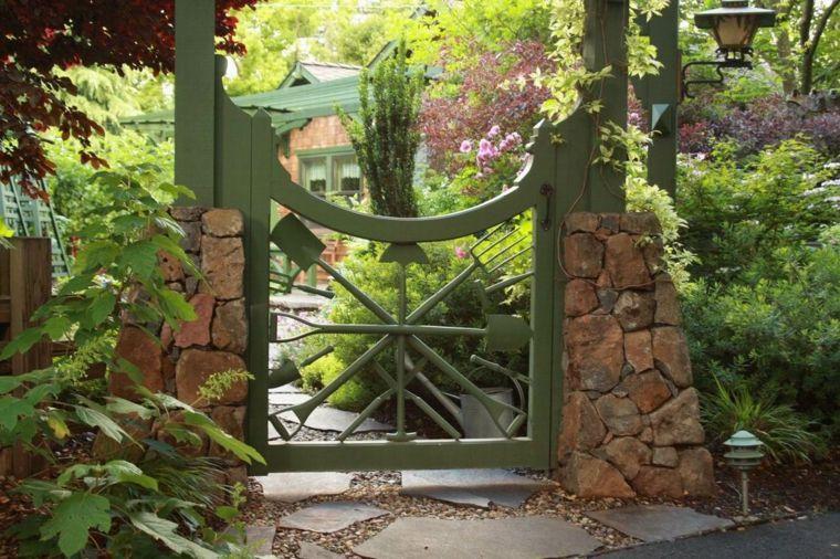 puerta jardin utensilios herramientas Jardín Pinterest Puertas