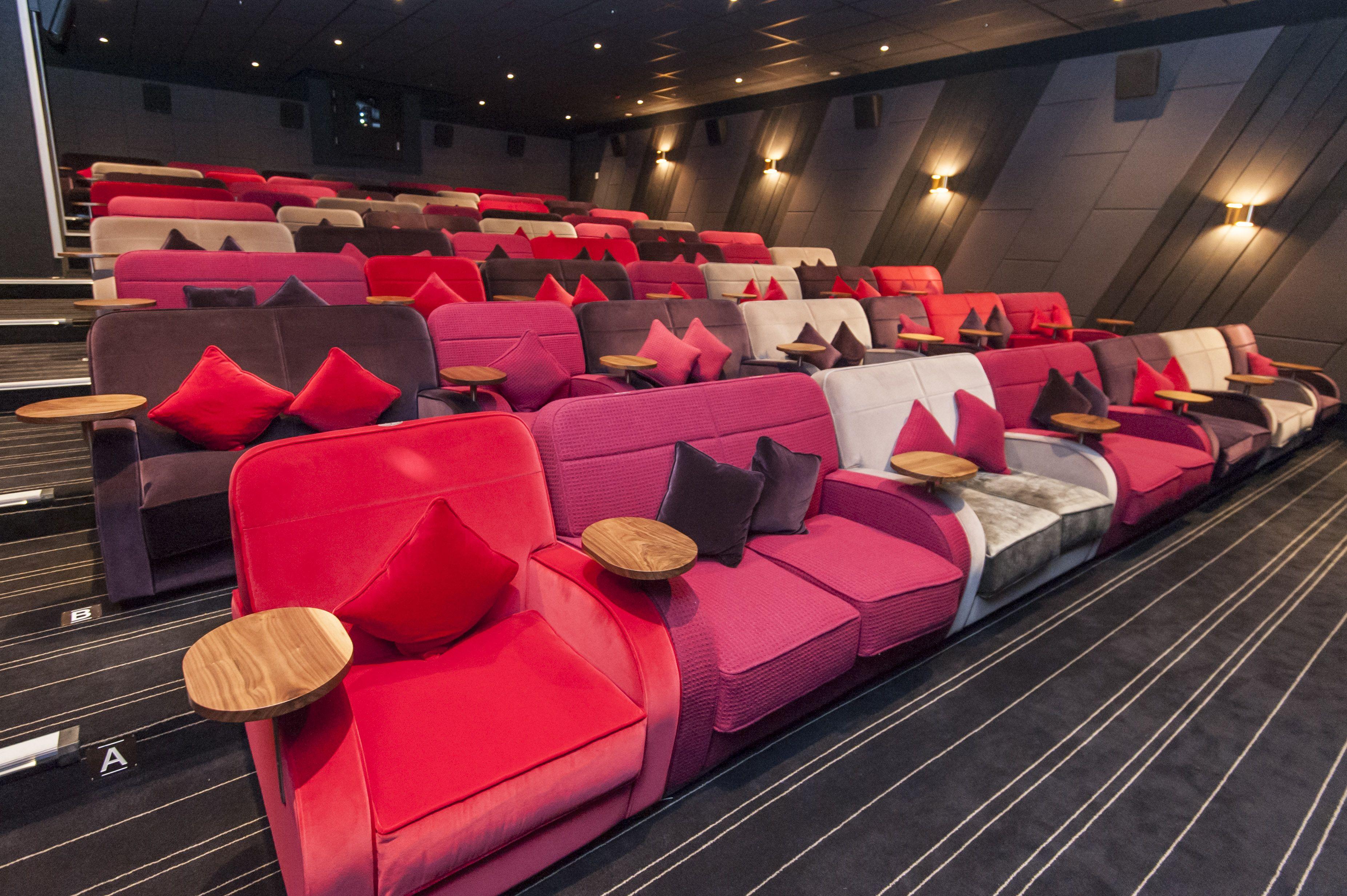 east london sofa cinema 2 piece and loveseat canary wharf brokeasshome
