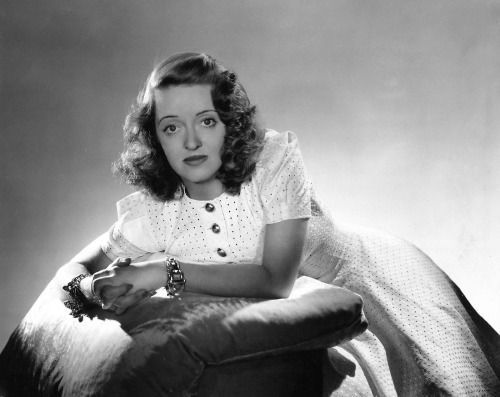 Bette Davis 1942, photo by George Hurrell