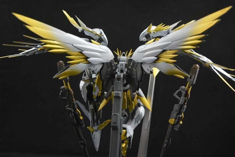 MG 1/100 Wing Zero Custom - Customized Build Modeled by