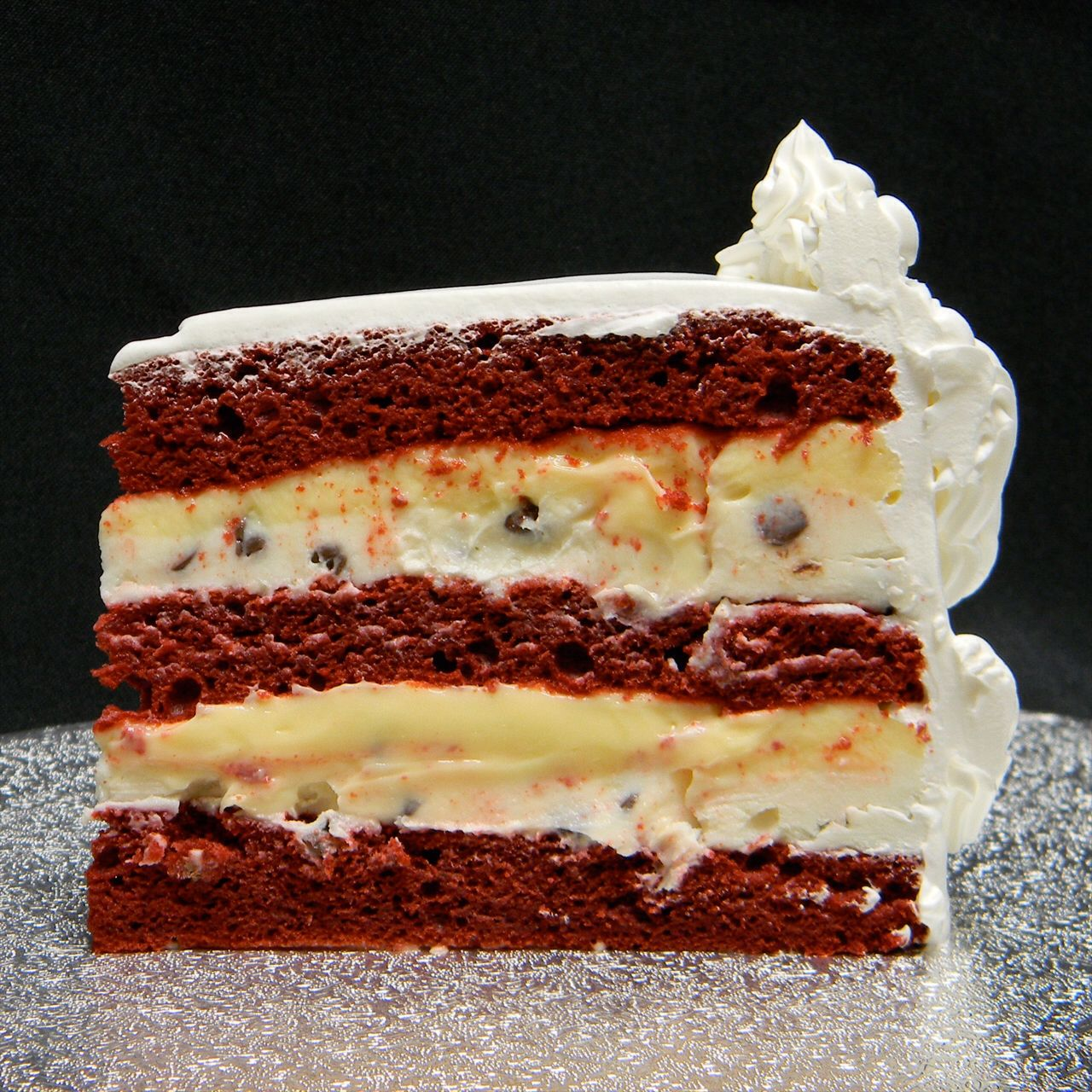 Red Velvet Cake With Cannoli Filling With Images Cannoli Cake
