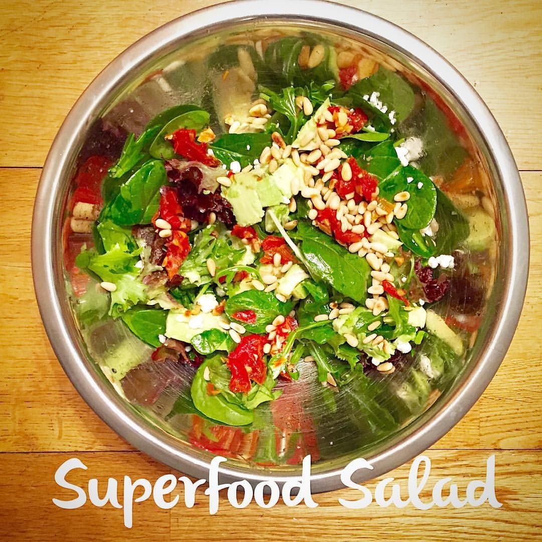 Superfood Salad of the day!  Baby spinach, roasted grape tomatoes, avocado, goat cheese and toasted pine nuts. #healthyeating101 #balance #healthychef #healthy #superfoods #spinach #cleaneating #salad #saladoftheday