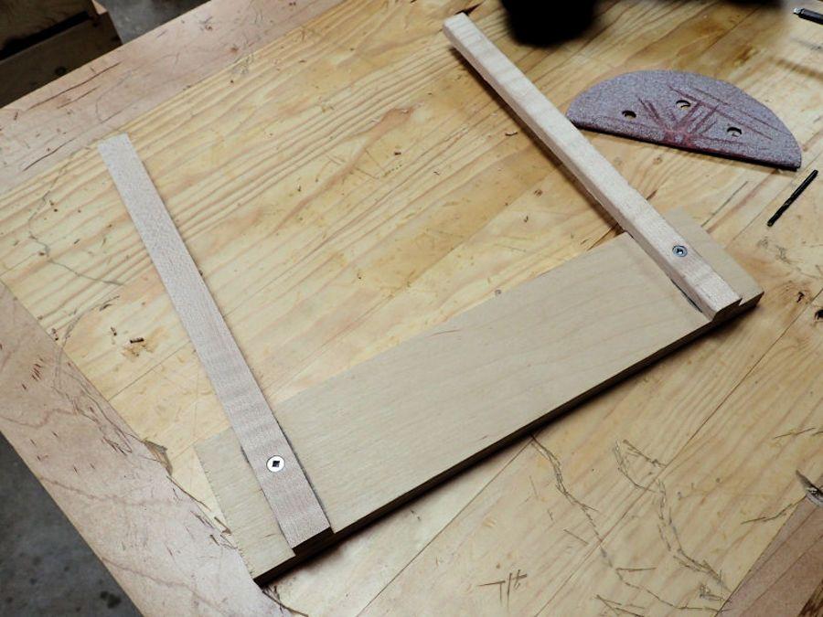 Making a mini table saw sled