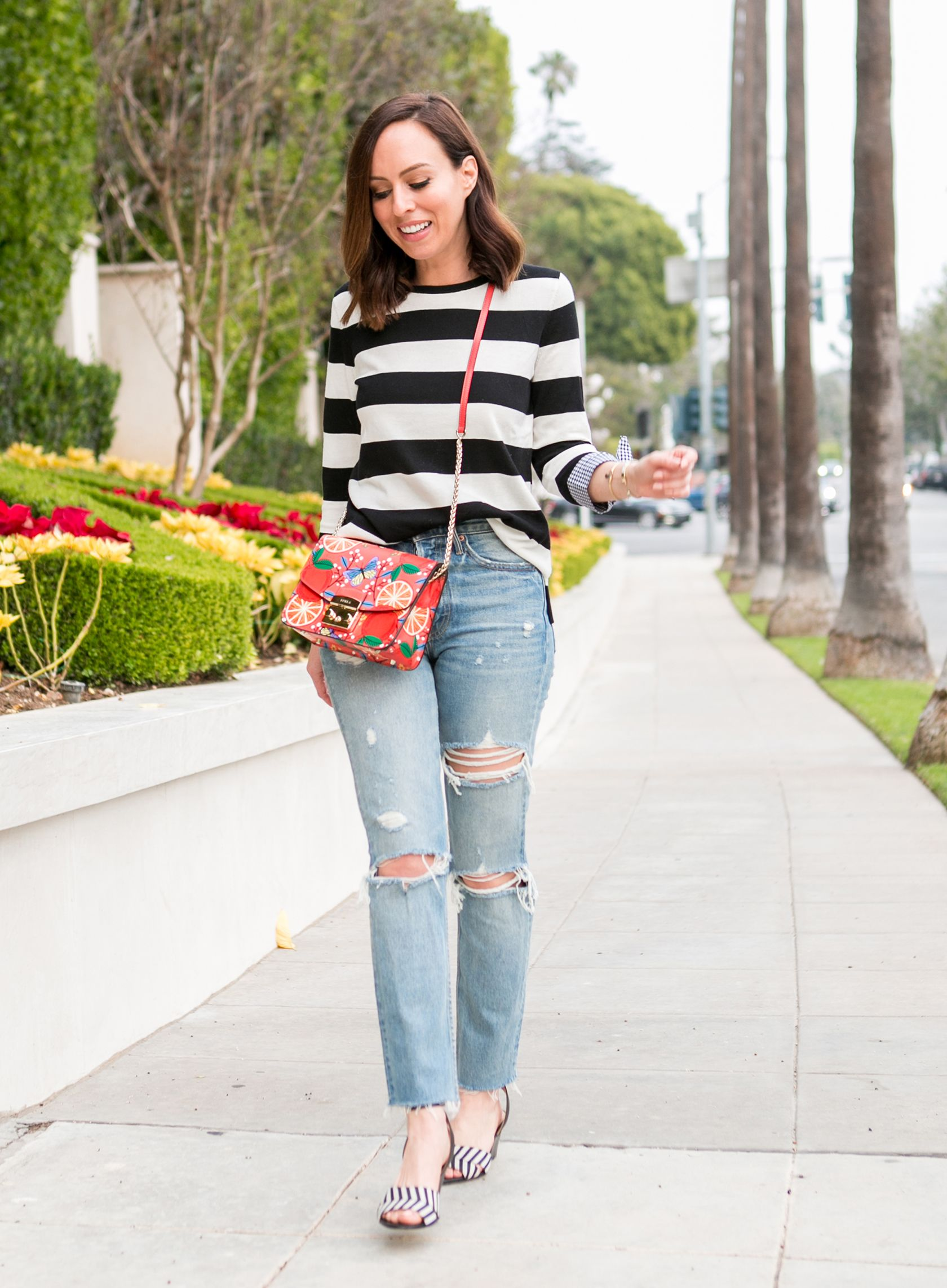 d4fc2370ed6b Sydne Style shows how to mix prints with casual outfit ideas in grlfrnd  denim  stripes  jeans  denim  mixedprints  prints  casualoutfits