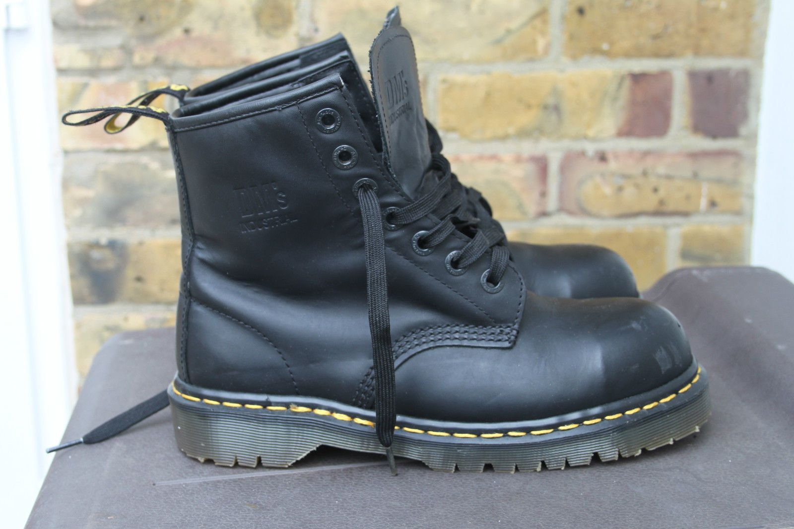 9dcea378ff7 Dr Martens Airwair Industrial Satra P9425 7 Eyelet Steel Toe Safety Boots  UK 6 in Clothes
