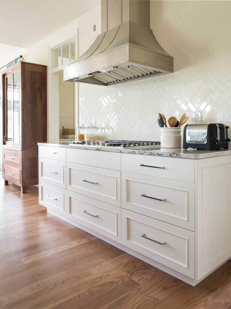 Plain+Fancy   Like Cabinet Style And Tile Backsplash White Paint Base  Cabinets For The Kitchen