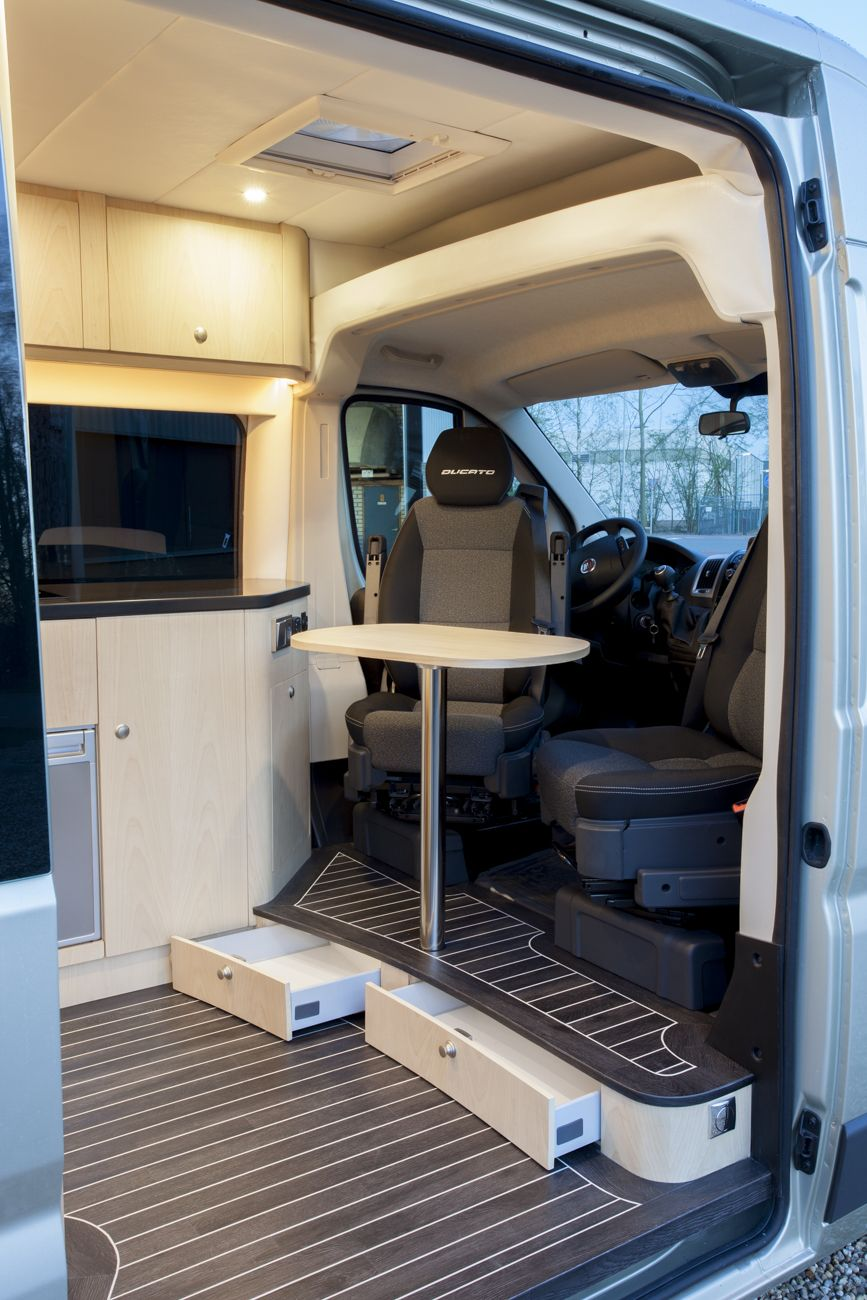 Innova automotive campers en yachting oplevering fiat for Interieur fiat ducato 2000