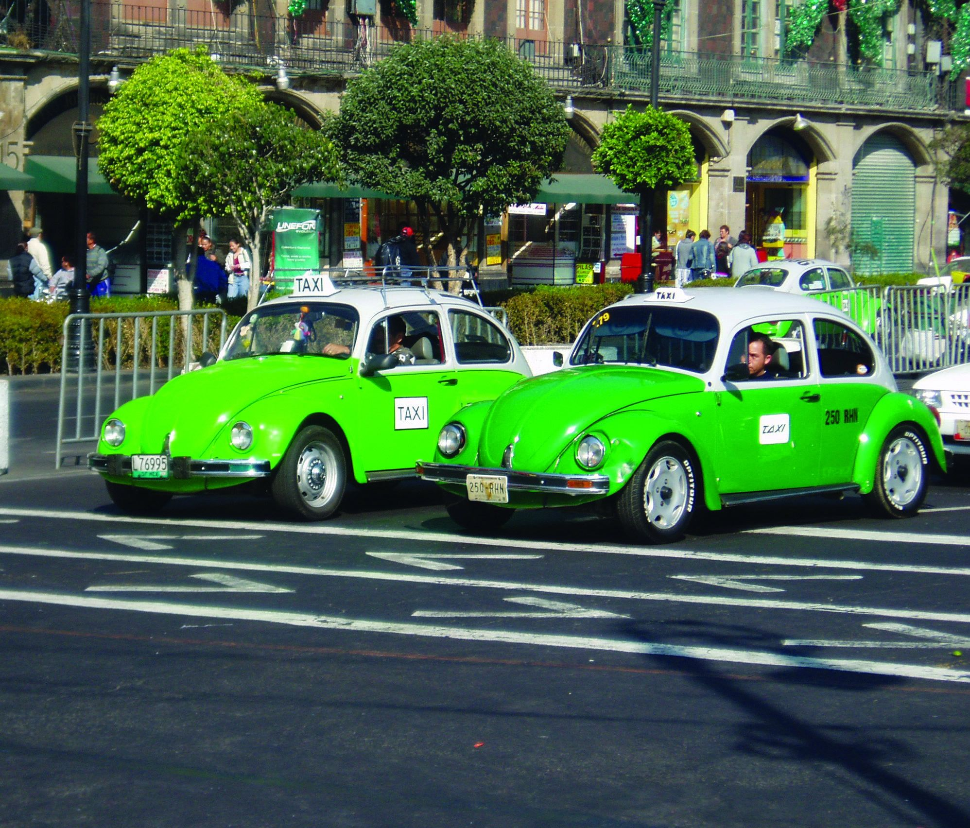 The Iconic Green And White Beatle Taxis Of Mexico Unfortunately Due To New Health Safety Laws These No Longer Exist