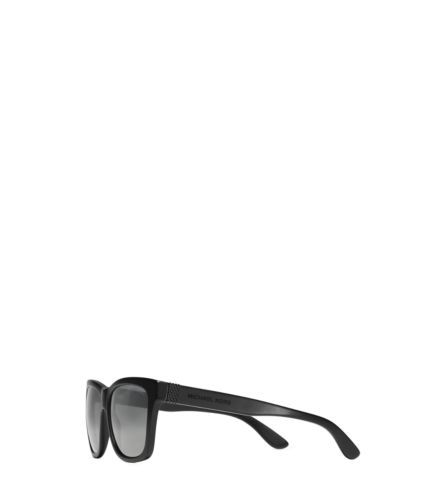 Crafted from tortoise acetate in a timeless shape, the Quinn sunglasses are a masterclass in modern eyewear style. The tinted, UV-protective lenses are expertly designed to shield the glare on sunny days.