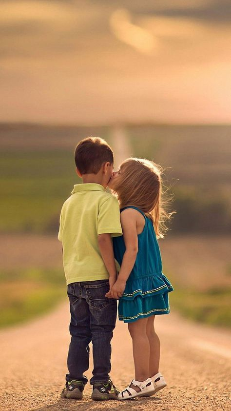 Love Kiss Hd Wallpapers For Mobile Wallpaperscharlie Cute Baby