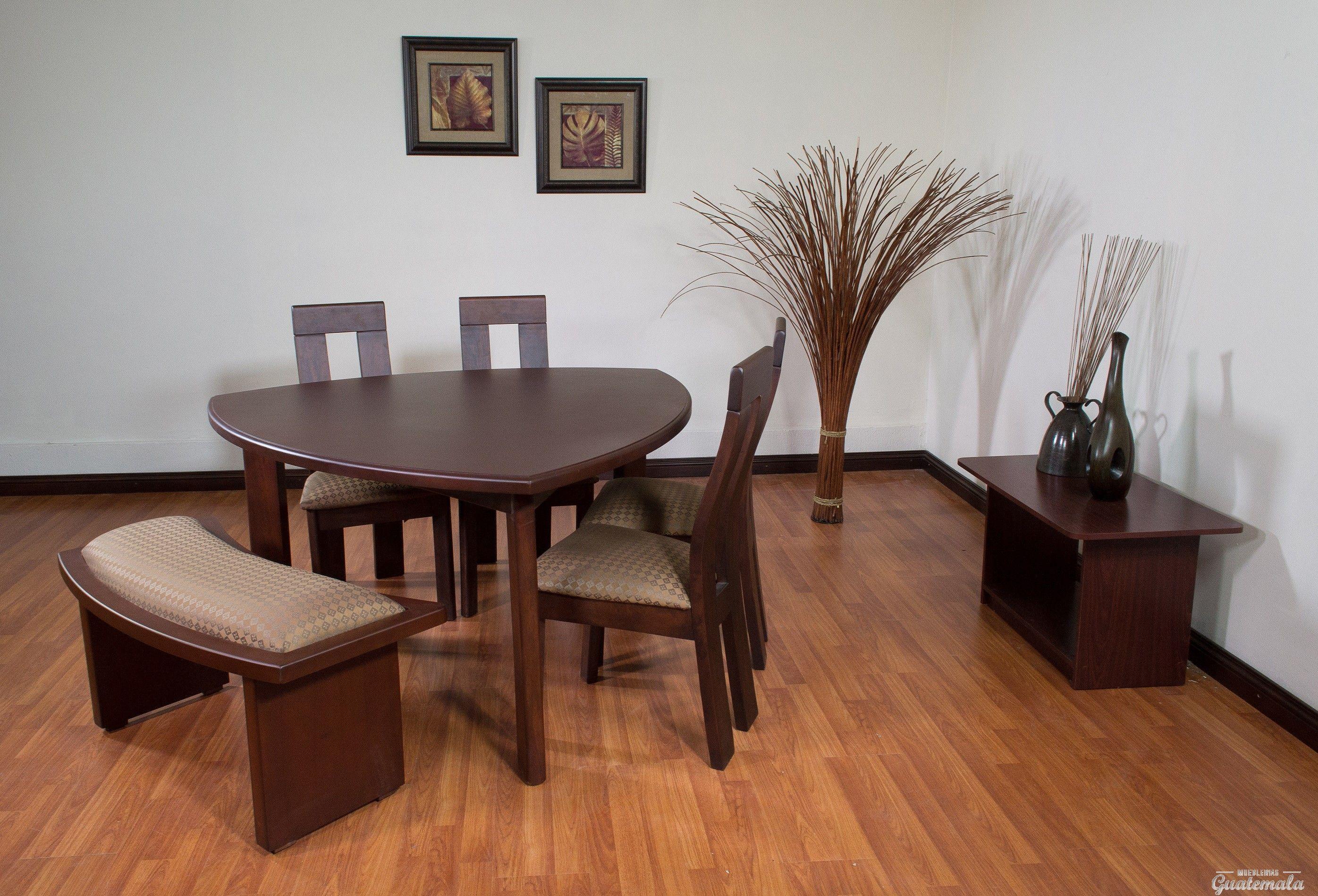 Comedor triangular primiun varios hogar mesas de for Muebles comedores pequenos